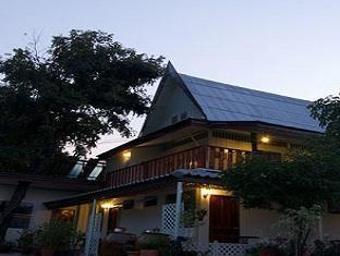 Chomanard Hut Guest House